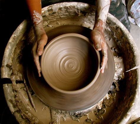 pottery wheel pottery wheel www imgkid com the image kid has it
