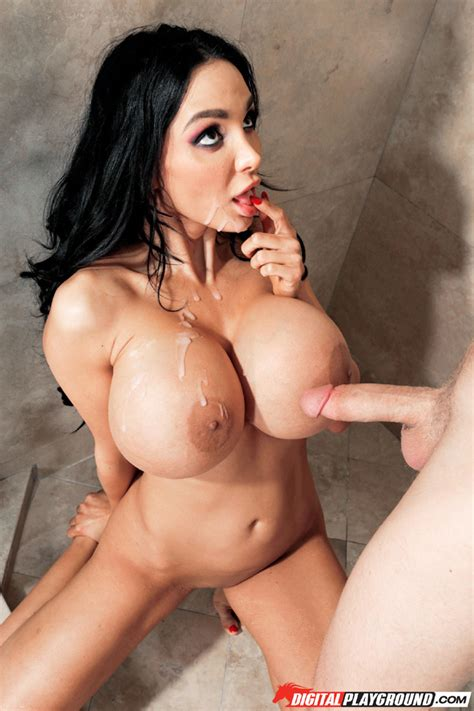 Amy Anderssen Enjoys A Steamy Sex Session In The Shower Pichunter