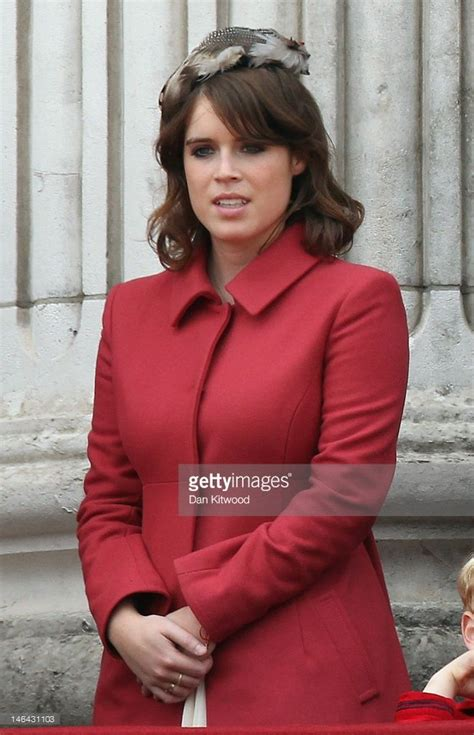Princess Eugenie stands on the balcony of Buckingham ...
