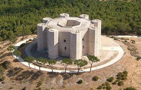 Castel Monte Interno by I Comuni Patto Candidano Le Aree Di Attrazione