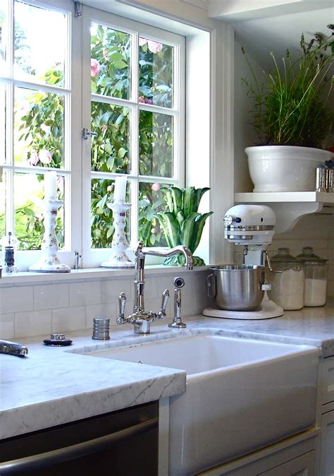 window kitchen sink 4 gorgeous kitchen sink ideas 1540