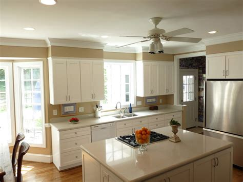 Decorating Ideas For Kitchen Bulkheads by 16 Sles Of Kitchen Molding Custom Ideas For Your