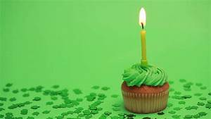 St Patricks Day Cupcake With Shamrock Confetti Burning ...