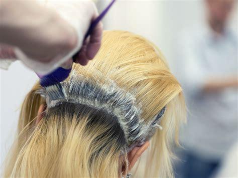 langkah melakukan bleaching rambut