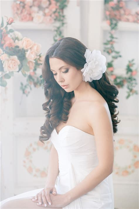 chic timeless wedding hairstyles  elstile deer pearl flowers