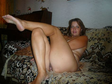 Pic1 In Gallery Mature Wife Natasha Nude And Playing