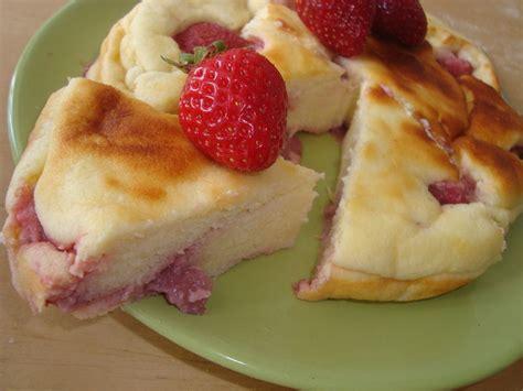 g 226 teau au fromage blanc et aux fraises dessert gourmand a la recherche du flan perdu