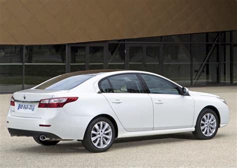 renault safrane 2011 renault safrane 2011 debut in saudi arabia uae drive
