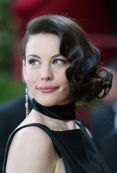 Liv Tyler, 2004   Oscars Hair Looks Through the Years