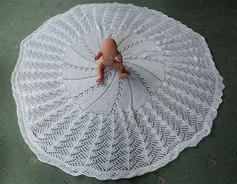Circular Crochet Baby Shawl Pattern - Erieairfair
