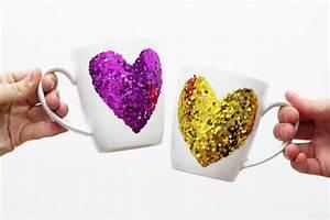 Das Perfekte Geschenk Für Die Beste Freundin : tassen verzieren mit glitzer herzen einfache diy geschenke basteln diy geschenke ~ Buech-reservation.com Haus und Dekorationen