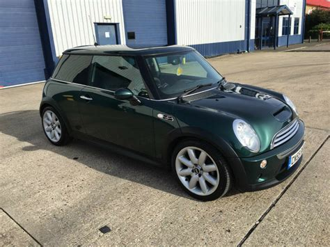 mini cooper   british racing green