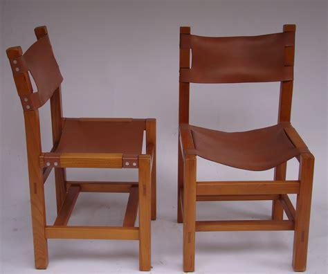la maison des chaises lot de quatre chaises en orme et cuir par la maison regain