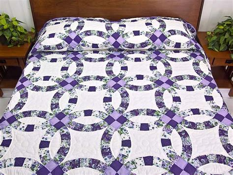 lavender and green wedding ring quilt