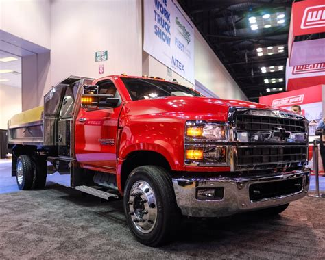 Chevy Hd Trucks by Chevrolet Debuts All New Silverado 4500hd 5500hd And