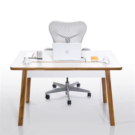 si e ergonomique de bureau le bureau electro ergonomique studiodesk de bluelounge