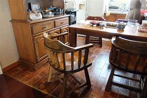 filekitchen table chairs and cupboard daebang little With kitchen furniture wikipedia