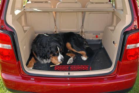 touran 5 places 1 ou 2 du cache bagage