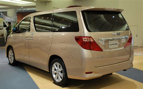 Toyota Alphard Wallpapers by Carz Wallpapers Toyota Alphard Wallpapers