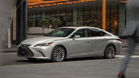 lexus esh luxury  review snapshot carsguide