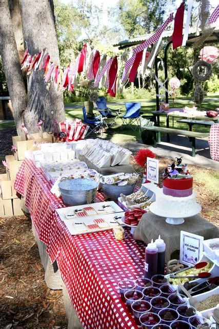 lady annes cottage charming country red  white