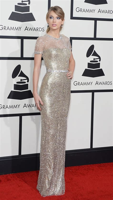 See Taylor Swift's Dress at the 2014 Grammys Red Carpet