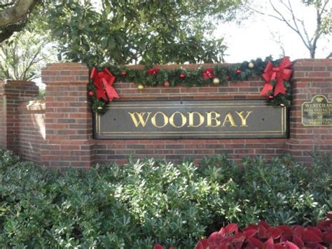 neighborhood entrance christmas decorations decor who should decide westchase fl patch