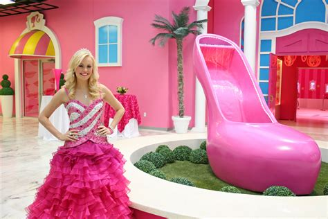 A Tour Of Barbie's Dreamhouse Experience « Wcco