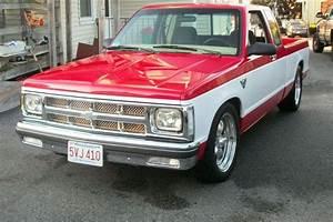 83 S10 Pickup 350 V8 -  7500  Boston