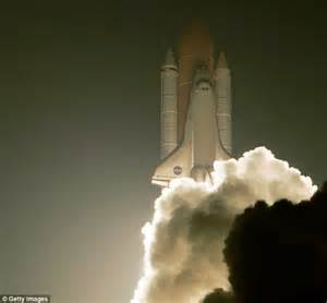Third time lucky for space shuttle Discovery in dramatic ...