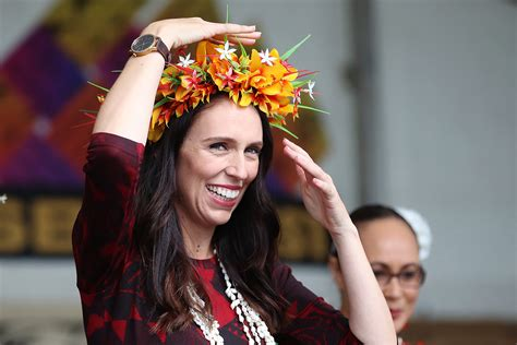 ardern jacinda prime minister zealand auckland pm pregnant polyfest attends polynesian lady