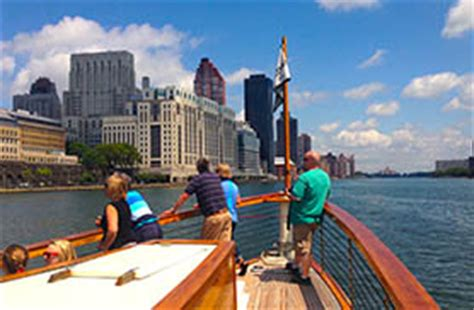 Architecture Boat Tour Manhattan by Nyc Sightseeing Cruise Boat Tours Of Ny Harbor Classic