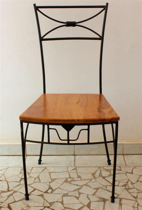 chaise en fer forg 233 avec motifs assise en bois dimb de q7design