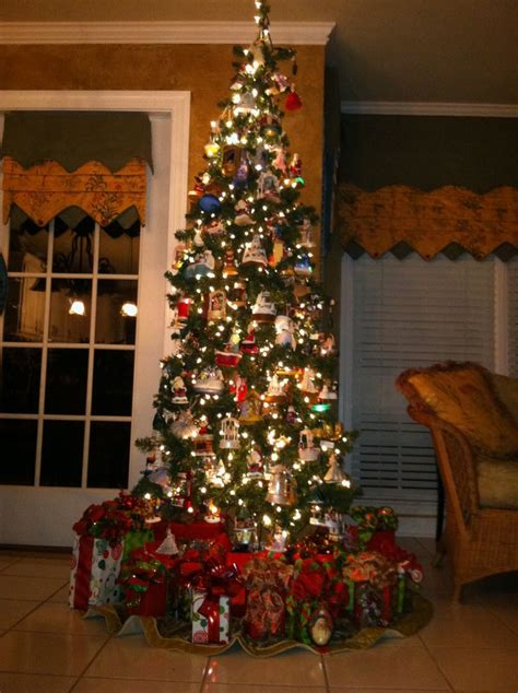 hallmark tree up i love christmas pinterest