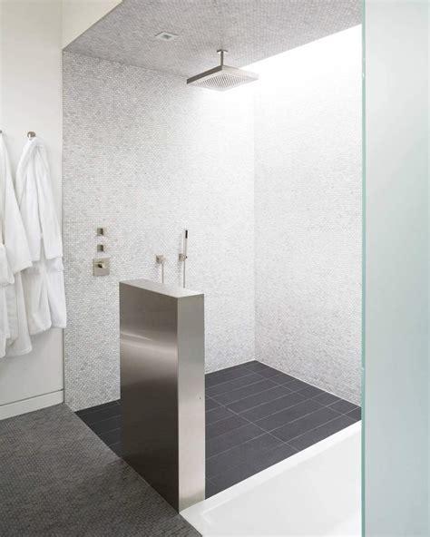 Bagno Con Pavimenti E Rivestimenti In Mosaico • 100 Idee