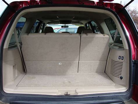 The Cargo Space of the 2006 Ford Expedition Wagon Eddie Ba ...