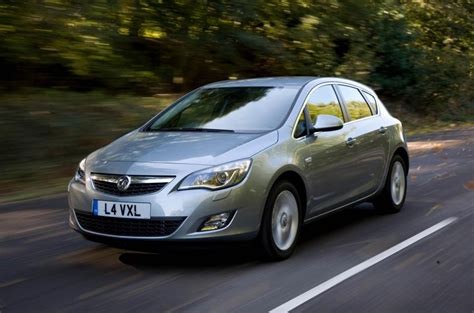 Vauxhall Astra 2009-2015 Review (2017)