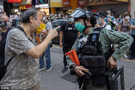 Government gives warning to Australians in Hong Kong ...