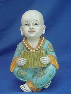 statuette de petit moine bouddhiste tibet et tibetains With robe moine bouddhiste