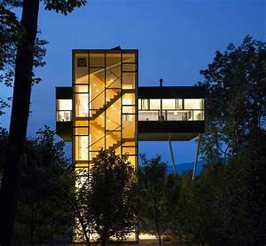 Tower, House, Accessed, By, Luminous, Staircase
