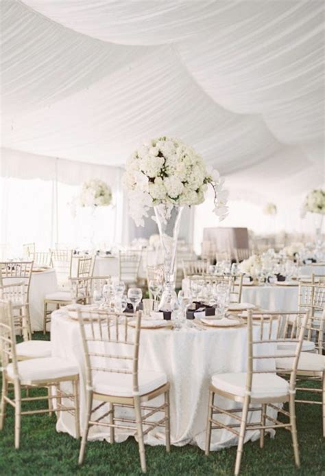 white table decorations for weddings the best wedding flowers for that festive feel 1357