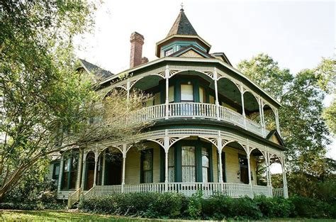17 Best Images About Cool Old Houses On Pinterest Queen