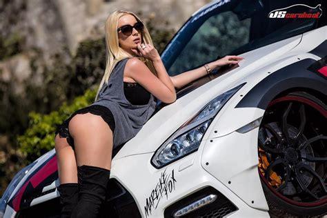 Tuning Fan Mareike Fox Kommt Zur Automobilmesse Erfurt