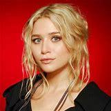 Mary Kate Olsen And Heath Ledger | 300 x 300 jpeg 43kB
