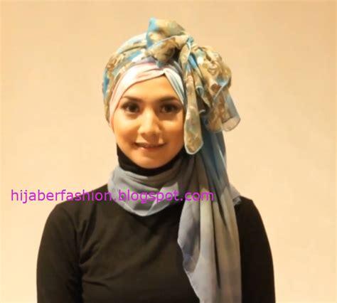 memakai jilbab kombinasi modern tutorial hijab