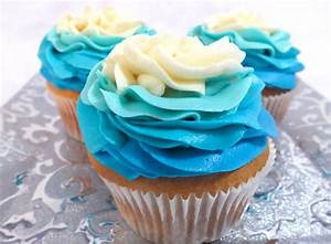 Frozen Ombre Swirl Cupcakes - Two Sisters