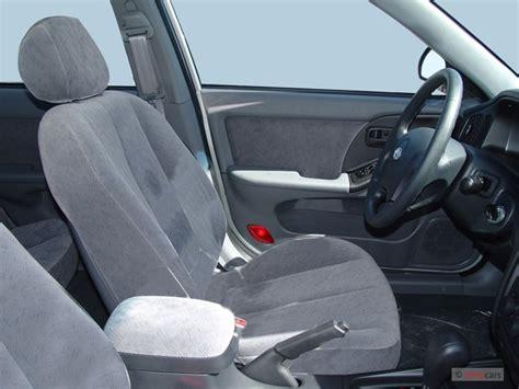 image  hyundai elantra  door sedan gls auto front