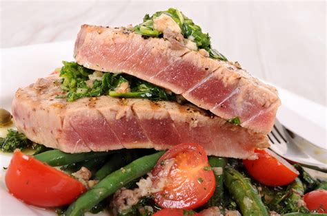 how to cook tuna steaks checking doneness on grilled tuna steaks
