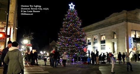 best 28 city place christmas tree lighting weekend in