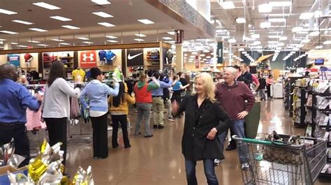 fred meyer holiday hours openclosed